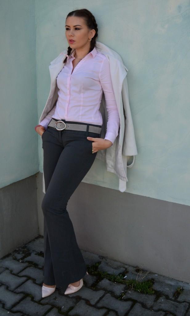 casual-work-pink-grey-outfit-makeupswan
