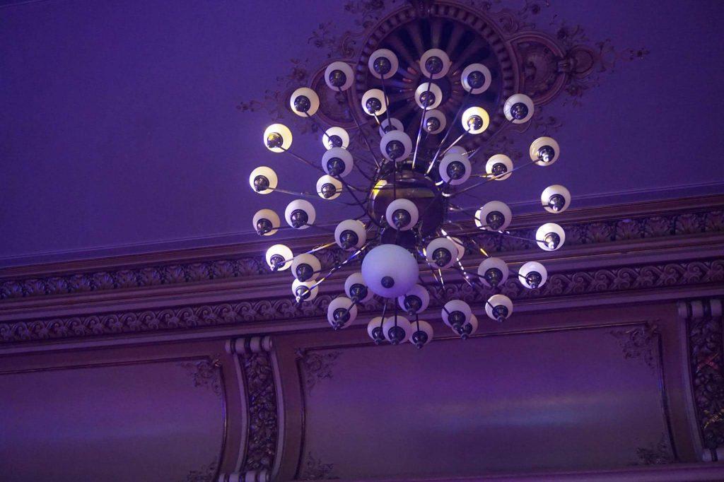 candelabru-palatul-bragadiru