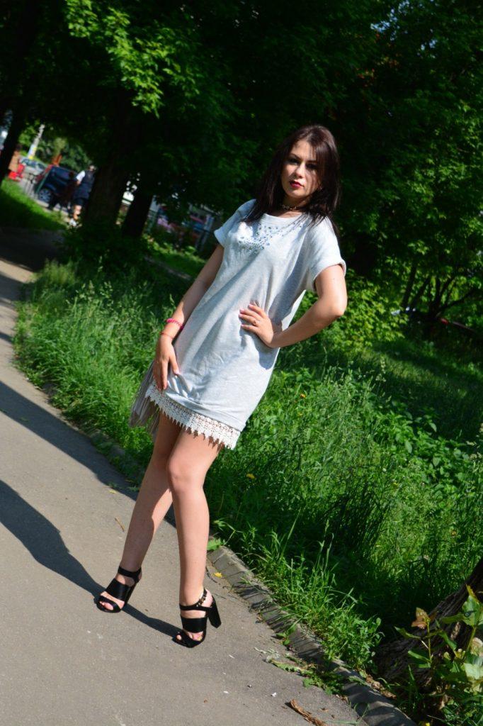 rochie-dantela-sandale-negre-bonprix