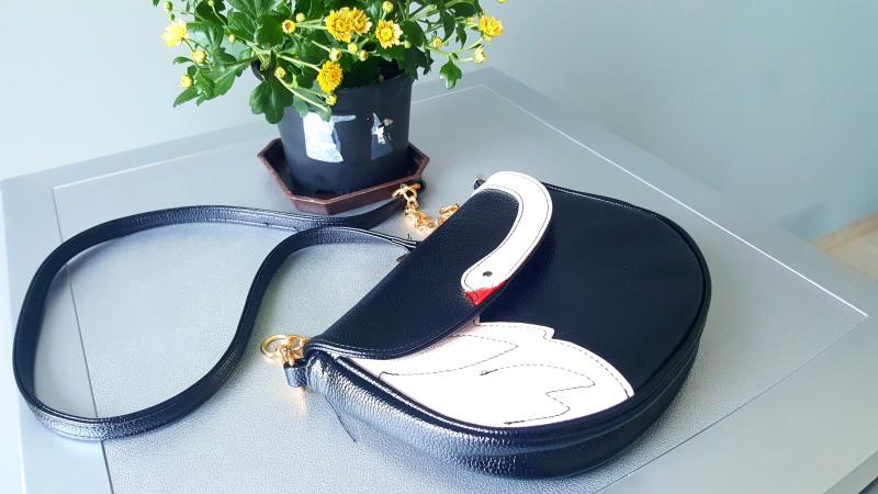 swan-bag-dresslily-makeupswan