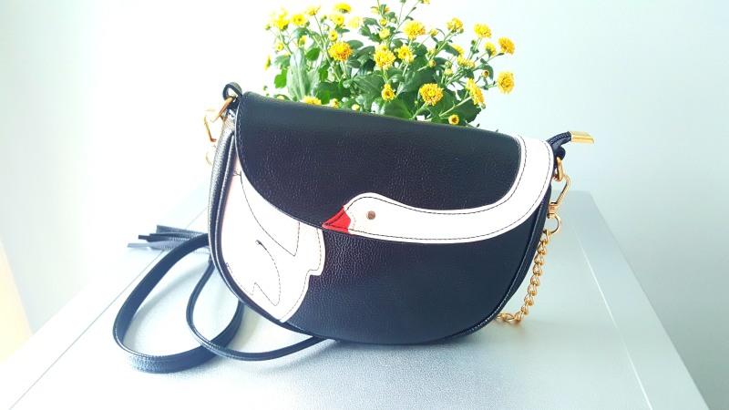swan-bag-dresslilycom-makeupswan-1